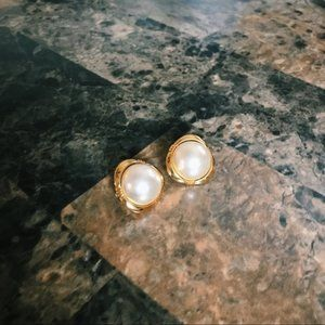Vintage Pearl Clip On Earrings Gold ✨